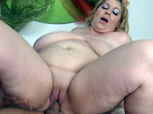 Bald cunt BBW on top