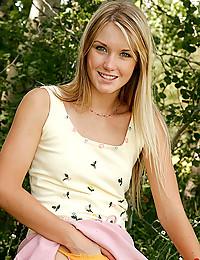Natural Blond Beauty Jewel