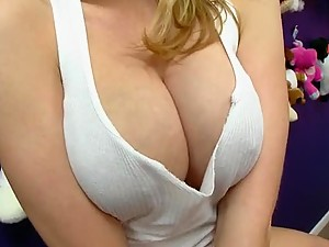 Hot Sex In The Locker Room with Big Breasted Blonde Madison Scott