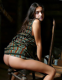 Felicity Fey - Pretty young lady teasing with her awesome ass
