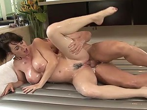 Incredible Oiled Up Massage From A Busty Milf