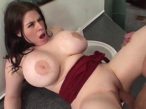Daphne Rosen Gets a Quikie in the Bathroom