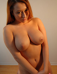 Voluptuous Beauty Gassy Exposes Melons