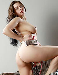 Valeria gets naked for you viewing pleasure today.