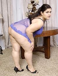 Big babe models lingerie