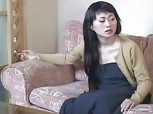 Salesman Gives Hard Sell to Chinese Housewife