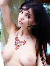 Katie Fey - She wears almost nothing outdoors in her picture set