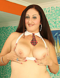 Voluptuous Hairy Milf Plays With Herself