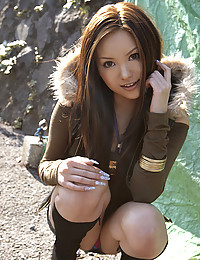 Beautiful naked Japanese girl