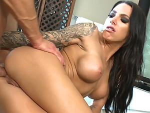 Breath Taking Juelz Ventura Gets Her Butthole Stretched Out