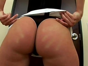 Leah Wilde Bukkake Party Blowjob and Facial