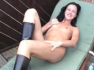Brunette Beauty Fingering Her Pussy Outdoors