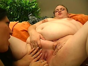 Big Lesbians Have Hot Sex on the Couch