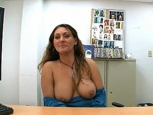 POV Vid of Hot Naturally Breasted MILF Blowjobing