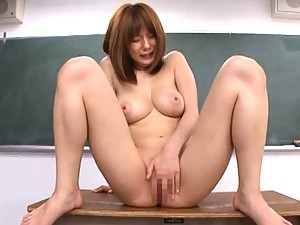 Yuma Asami uses a glass dildo for her student?s pleasure