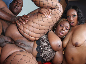 Porn Pros Network - 00Negro is back with a vengeance! With his suave maneuvers and classy ways, this double agent bags himself two delicious chocolate round booty sistas! When Sky and Cali were rescued by 00Negro, they started sucking on that hard shaft a