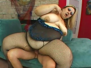 Curvylicious BBW gets Banged on a Sofa