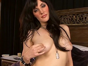 Brunette Beauty Samantha Bentley Masturbating For Orgasm