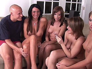 Play for free 3 funny movies with naked amateurs playing Four In a Row
