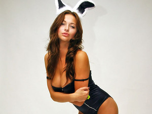 London Hart - Here goes a nice little suggestion for Hef - a barely legal wannabe Playboy bunny bragging truly angelic body! Go see her baring her terrific titties.