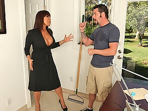 Ava Devine Showers With Horny Man