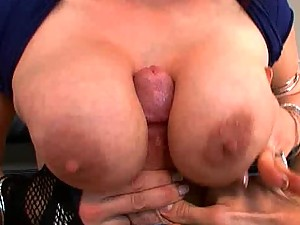 Nicki Hunter goes crazy if she doesn't get a Cock in her Ass
